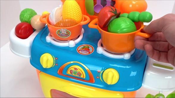 utensilios cocinas de juguete